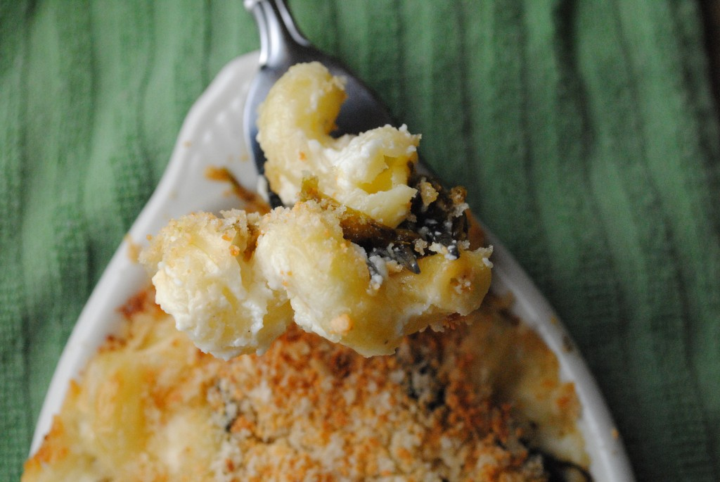 Mac and Texas Cheeses with Roasted Chiles - Sweet Life