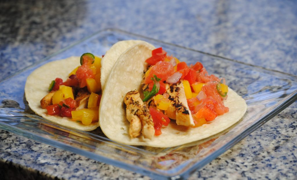 grapefruit chicken 009 1024x620 Grapefruit Chicken Fajitas with Texas Red Grapefruit Salsa uncategorized