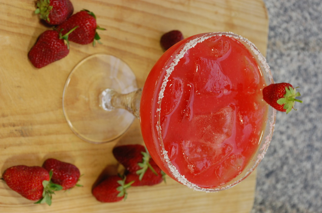 strawberry margarita 010 1024x680 Strawberry Margarita  fruit margaritas beverages berry margaritas