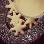 Christmas Cream Cookies with Rompope Frosting