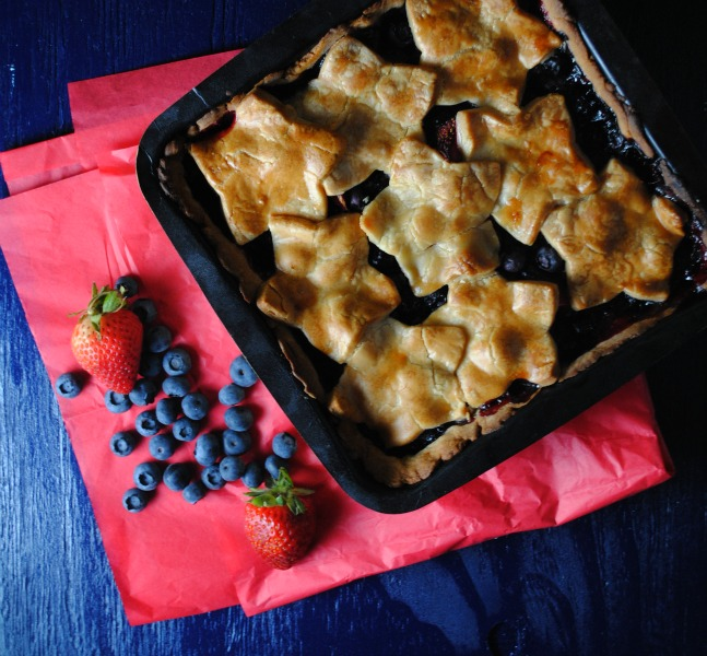 easy berry pie sweetlifebake Easy Summer Berry Pie   {Chinet GIVEAWAY} uncategorized