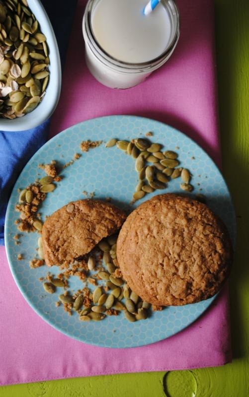 Oatmeal Pepita Butter Cookies - Galletas de Avena y mantequilla de Pepita