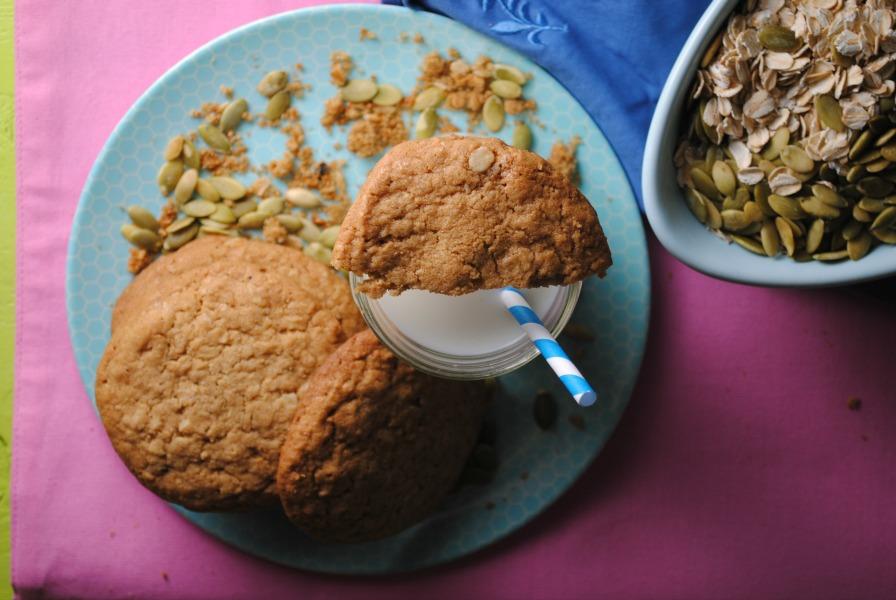 Oatmeal Pepita Butter Cookies