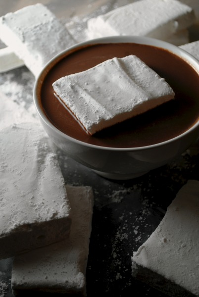 Homemade Marshmallows - Malvaviscos  from sweetlifebake.com
