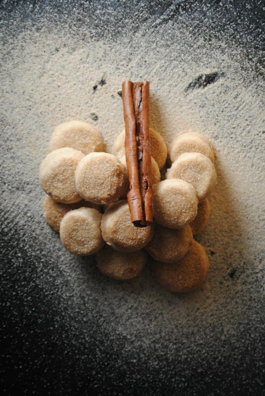 Pan de Polvo - cinnamon infused cookies from sweetlifebake.com