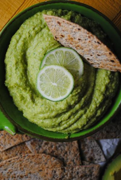 Avocado Hummus – Humus de Aguacate  recipe from sweetlifebake.com