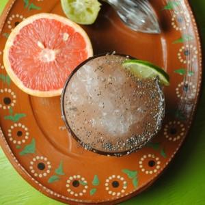 Agua Fresca de Toronja con Chia from sweetlifebake.com