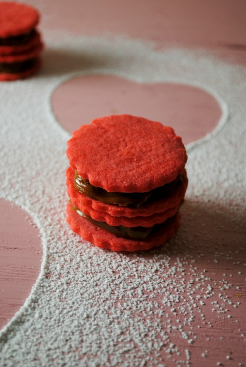 Alfajores dulce de leche VianneyRodriguez sweetlifebake Alfajores valentines day sweet treats holiday recipes baked goods