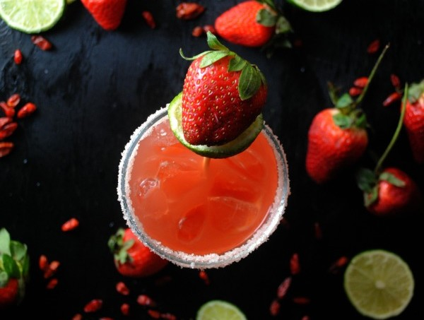 Spicy Strawberry Margarita from sweetlifebake.com
