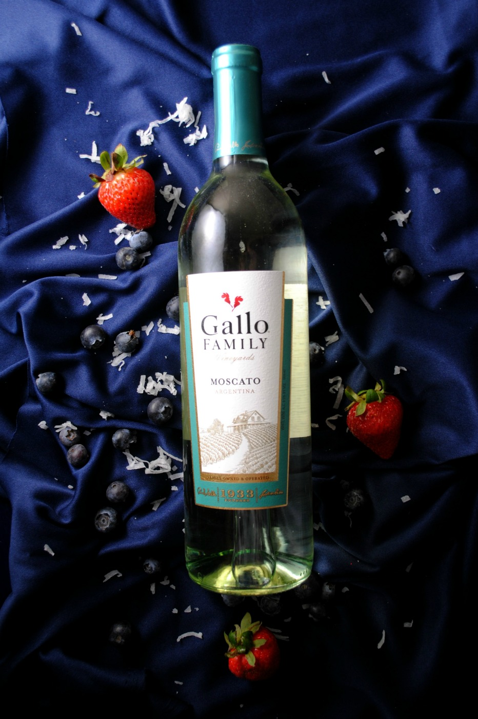 moscato VianneyRodriguez sweetlifebake Patriotic Moscato Gelatin Shots sponsored moscato cocktails holiday recipes gallo family vineyards cocktails cocktail friday 2