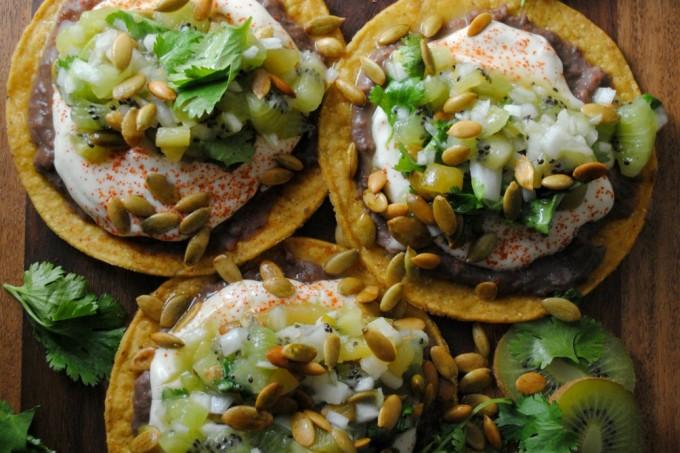 black-bean-tostadas-kiwi-green-chile-salsa-VianneyRodriguez-oldelpaso