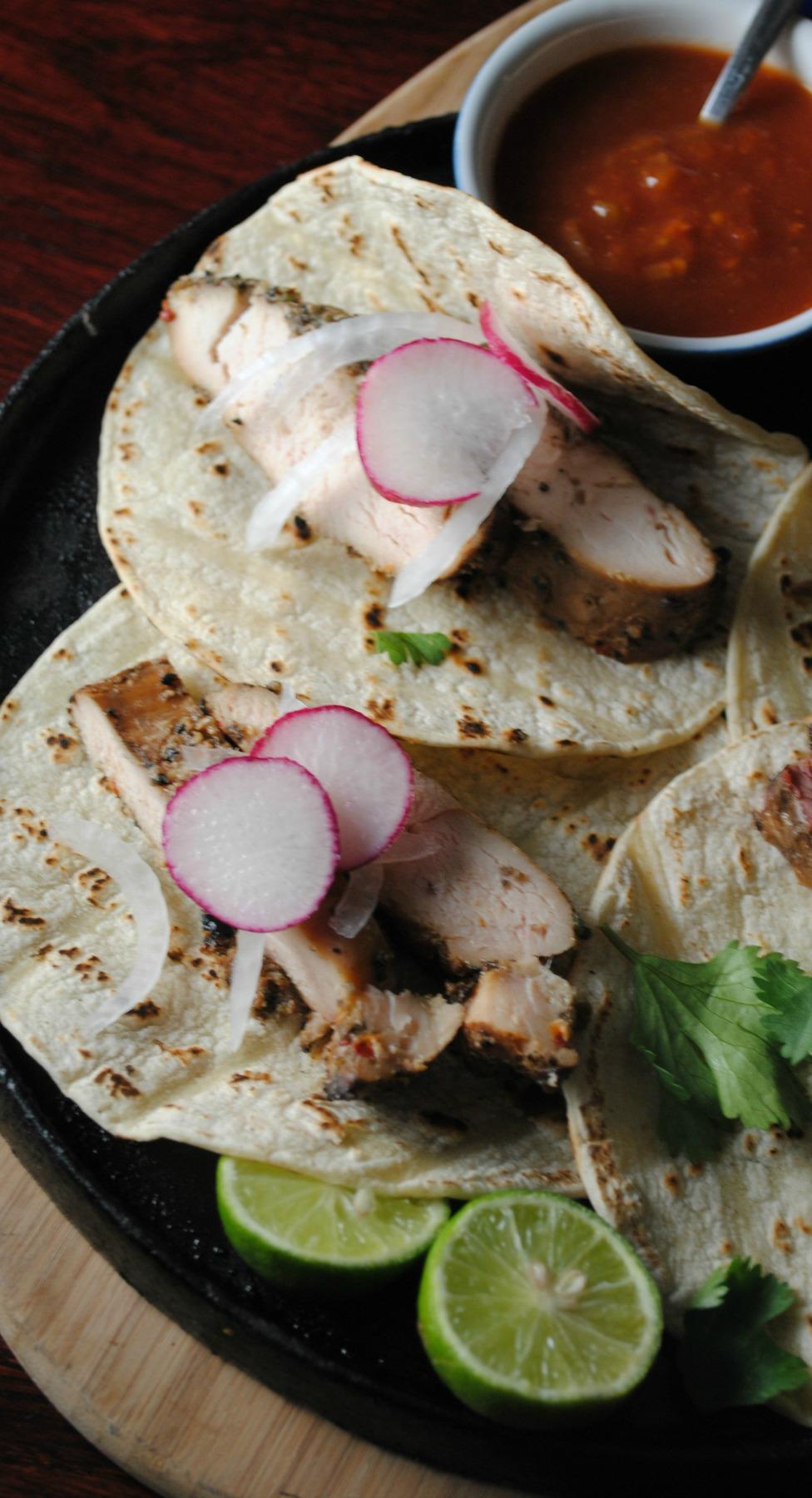 chicken fajitas vianneyrodriguez sweetlifebake Chicken Fajitas  tacos grilling family dinners easy dinners dinners
