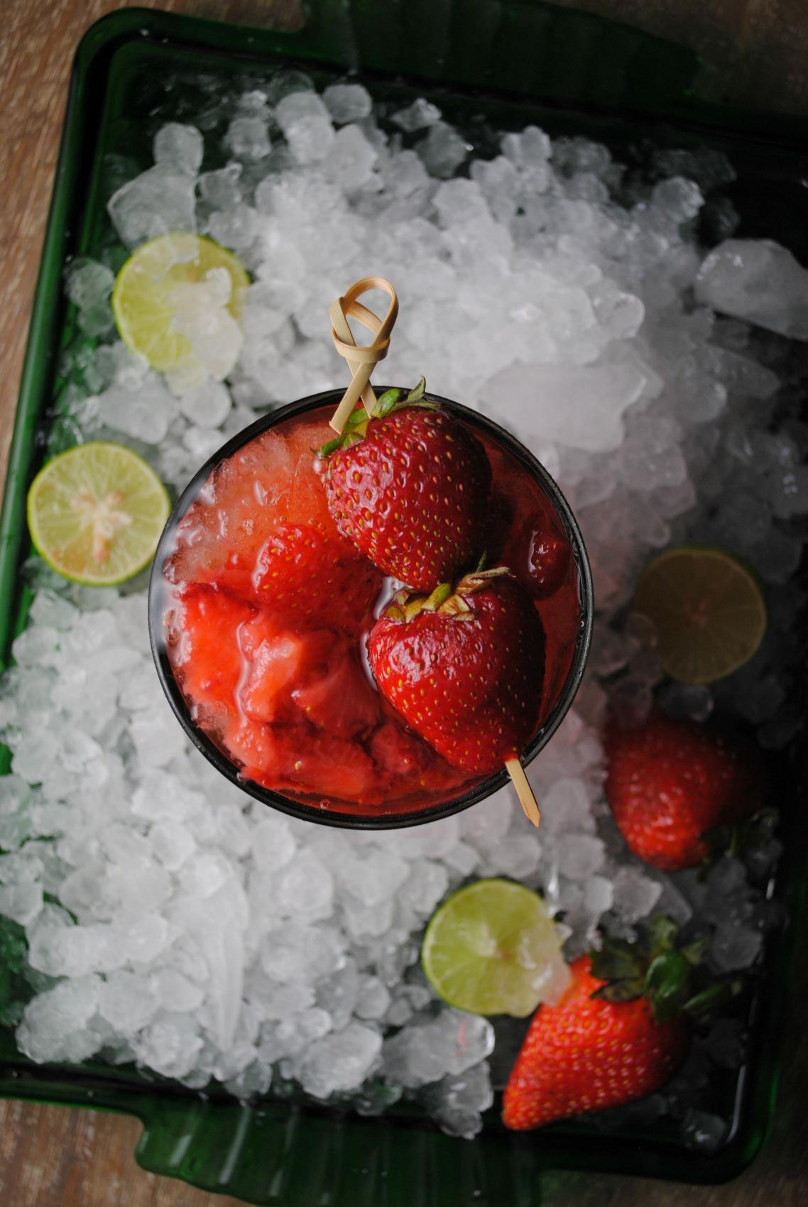Strawberry-Whiskey-Sour-VianneyRodriguez