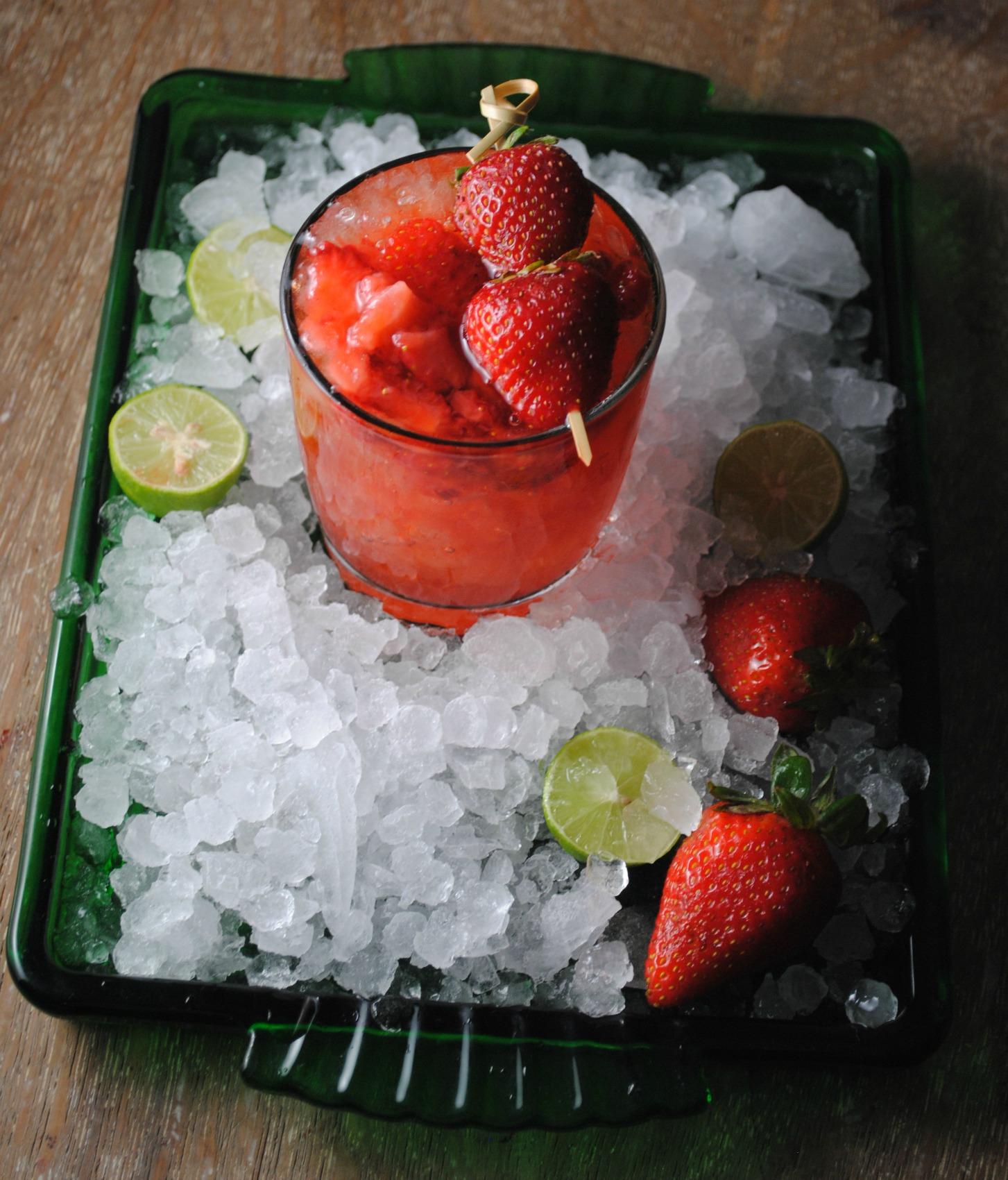 Whiskey-Sour-strawberry-VianneyRodriguez