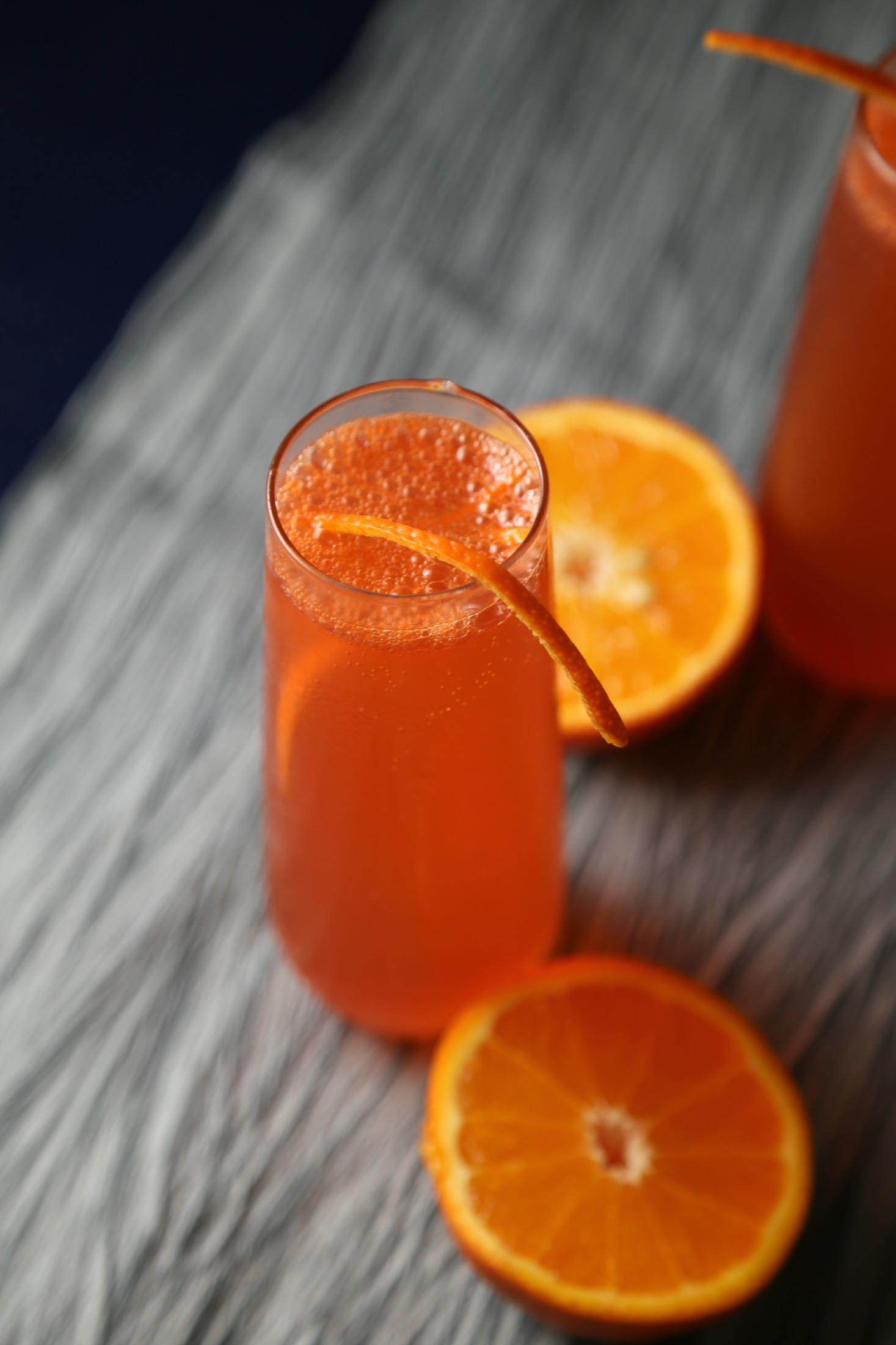 Campari-Orange-Sparkling-Cocktail-VianneyRodriguez