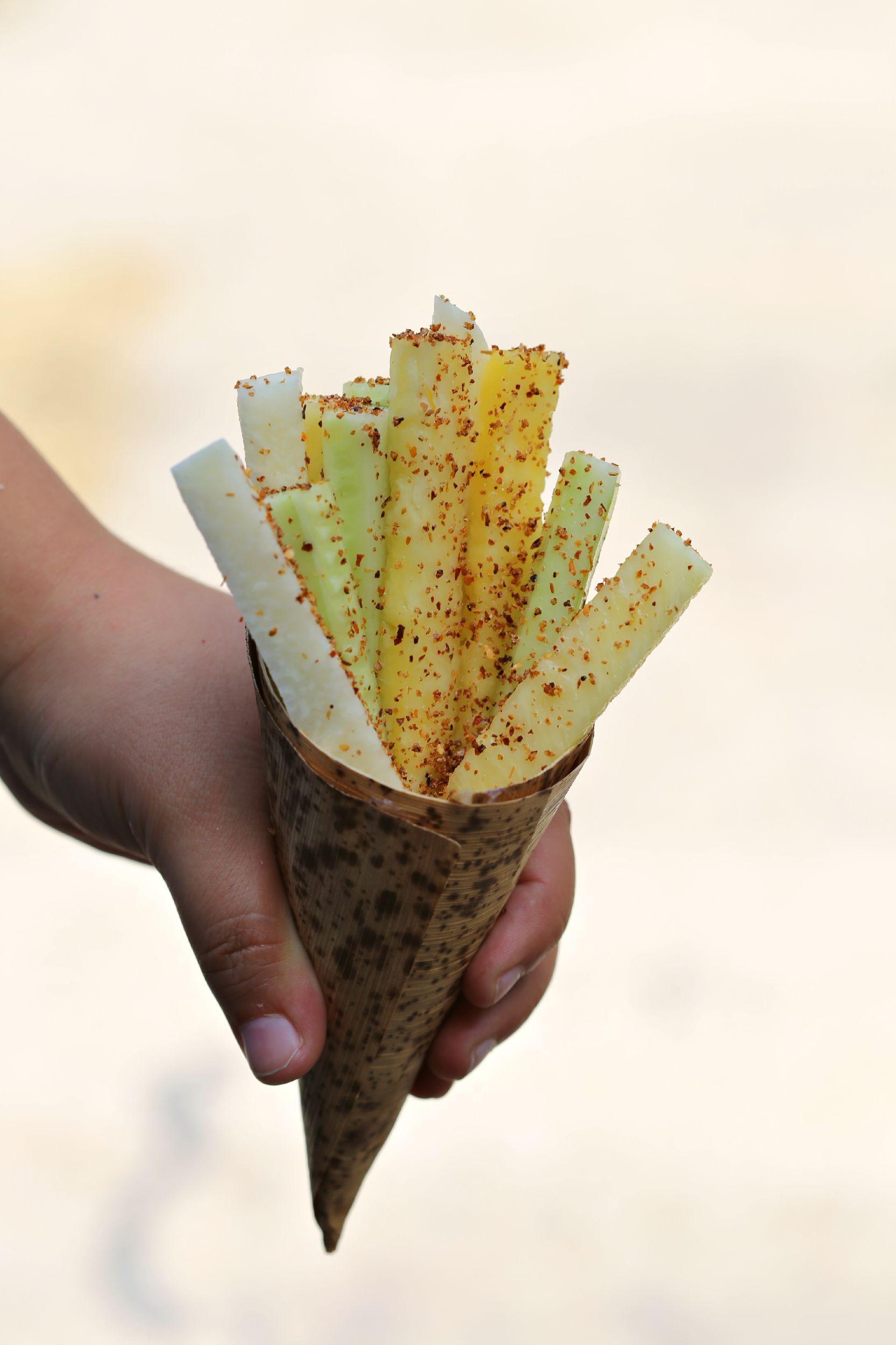 jicama-cucumber-pineapple-fruteria-cup-vianneyrodriguez-sweetlifebake