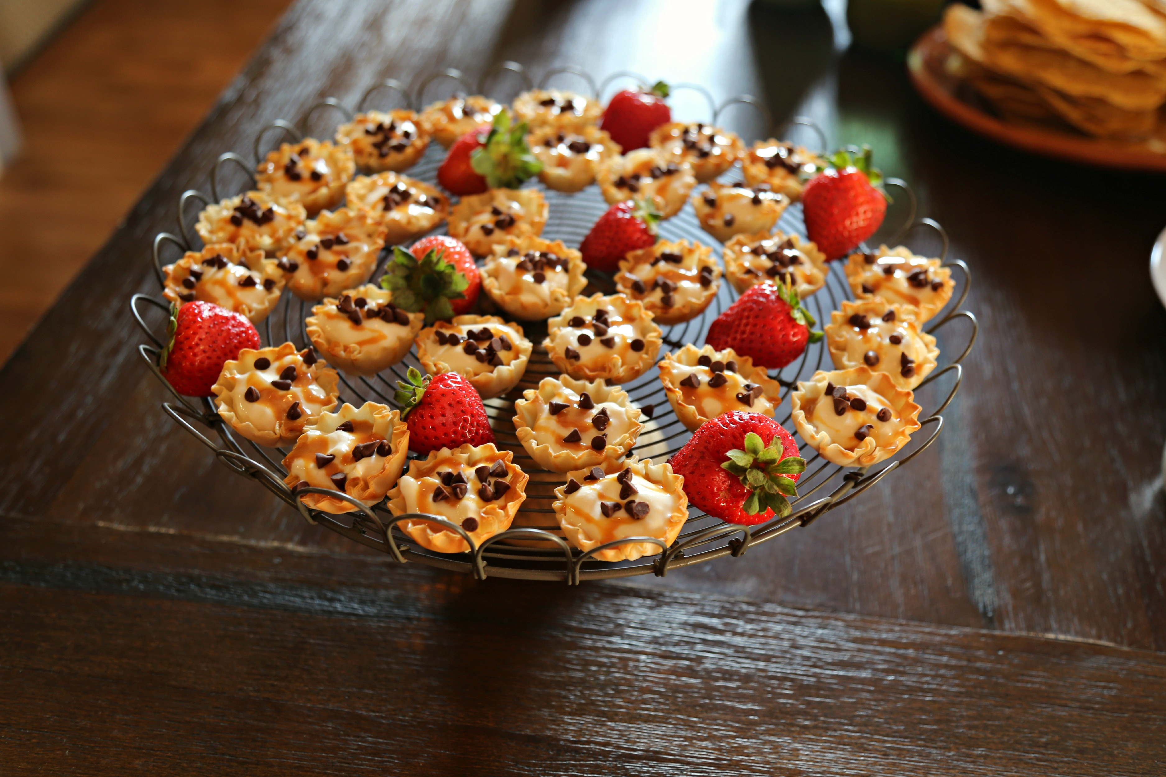 no-bake-mini-dulce-de-leche-cheesecakes-vianneyrodriguez-sweetlifebake