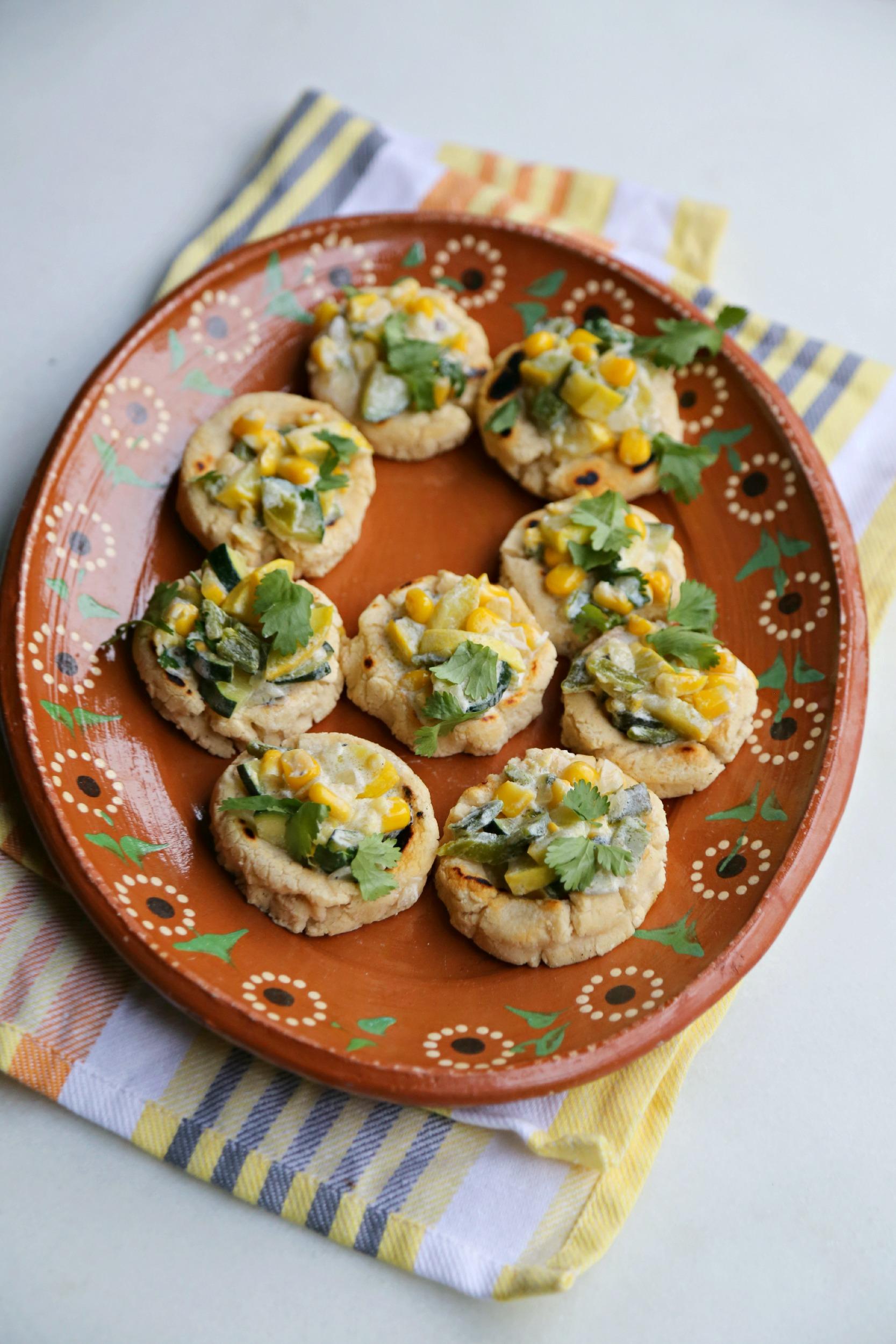 mini-sopes-topped-with-calabacitas-con-crema-vianneyrodriguez-sweetlifebake