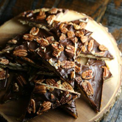 Pecan Saltine Toffee