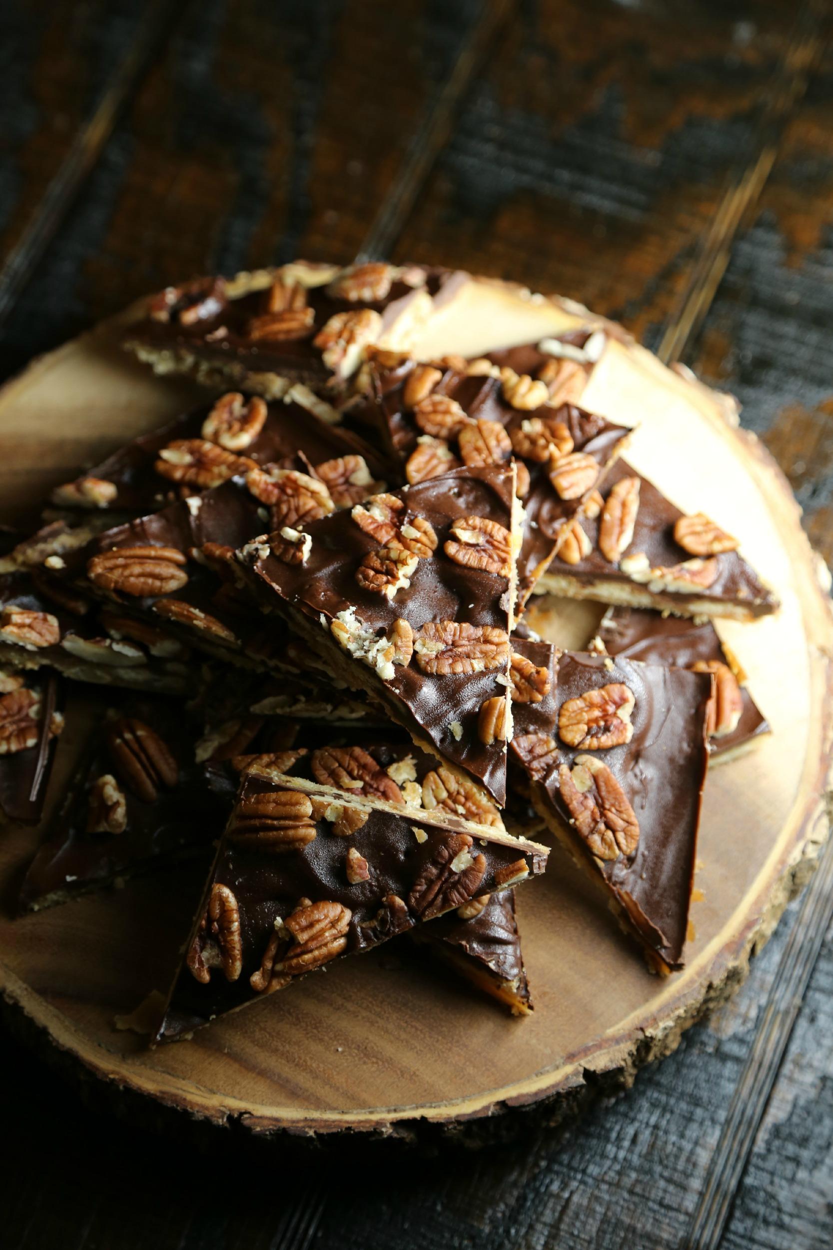 oven-saltine-toffee-recipe-vianneyrodriguez-sweetlifebake