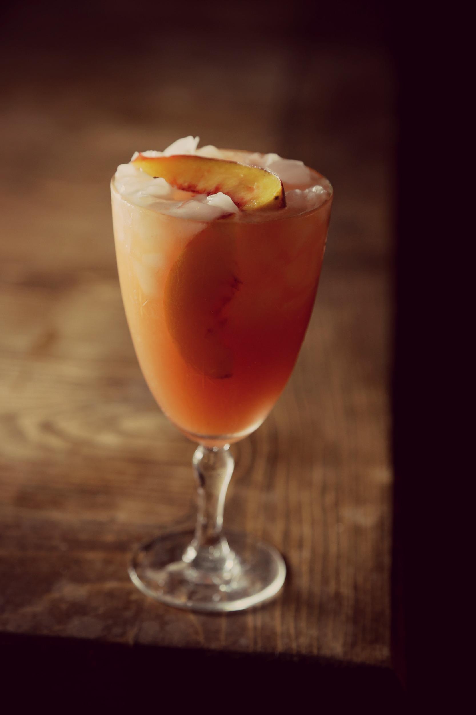 peach-bourbon-lemonade-vianneyrodriguez-sweetlifebake
