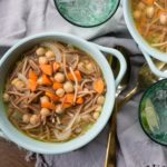 Sopa de Fideo con Garbanzos