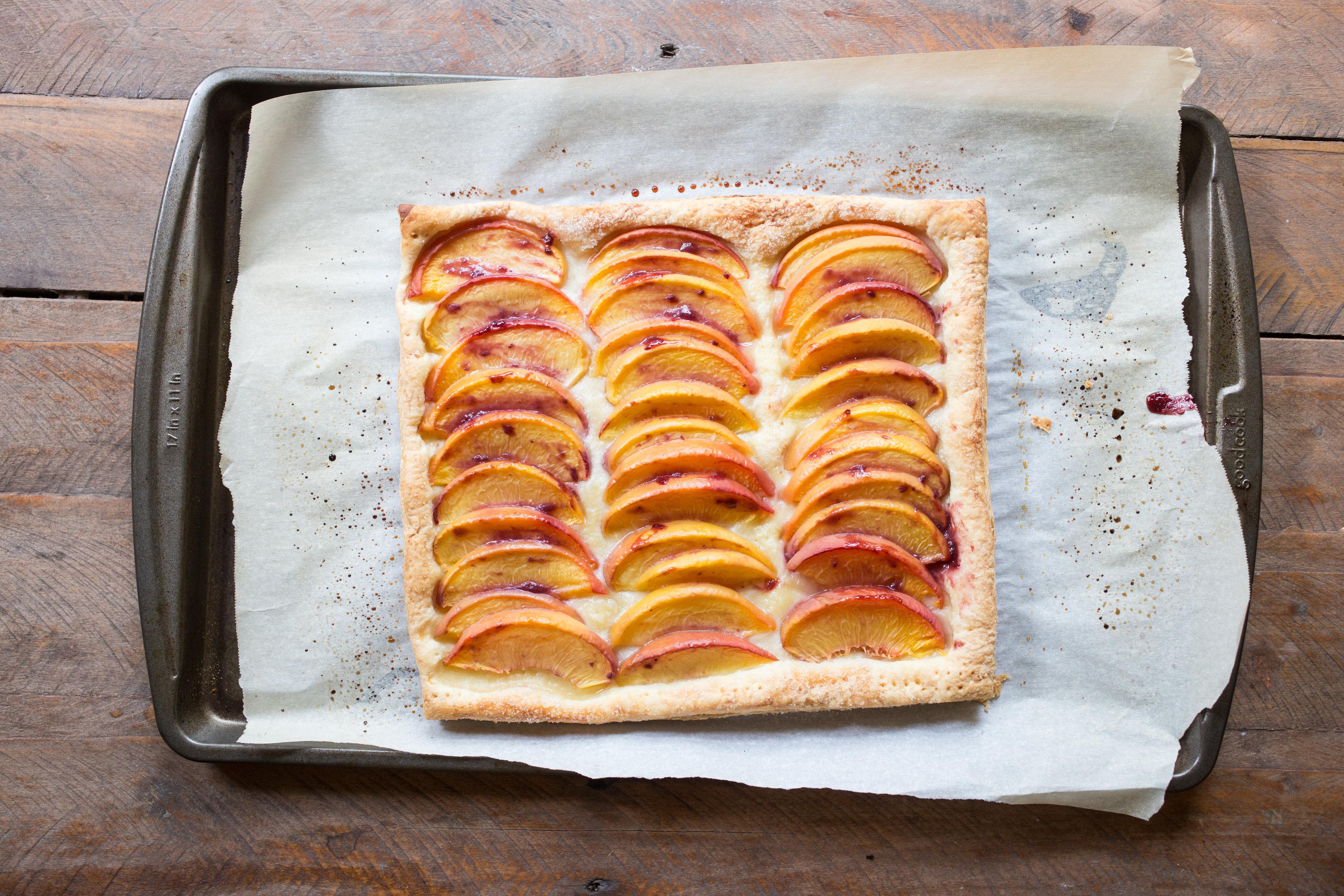 5-Ingredient-Fresh-Peach-Tart-vianneyrodriguez-sweetlifebake.jpg
