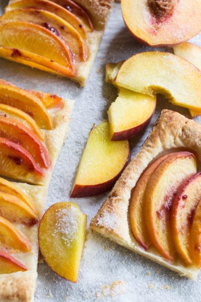 5-Ingredient-peach-Tart-vianneyrodriguez-sweetlifebake.jpg