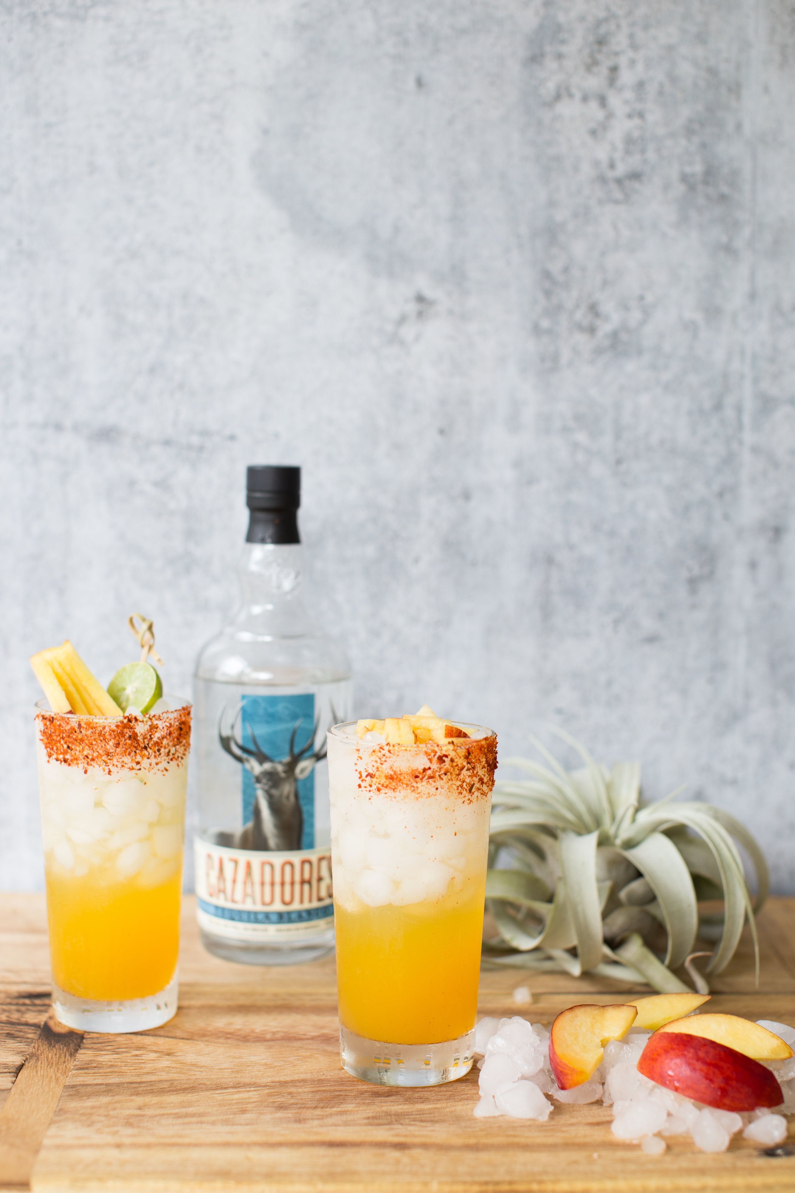 peach-paloma-tequila-cocktail-vianneyrodriguez
