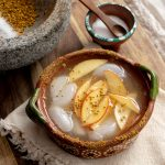 Cazuela Apple Honey Margarita with Cinnamon Bee Pollen Rim