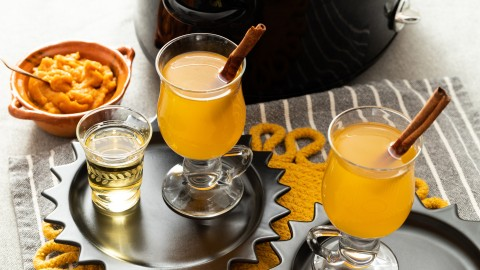 pumpkin hot toddy made in the slow cooker